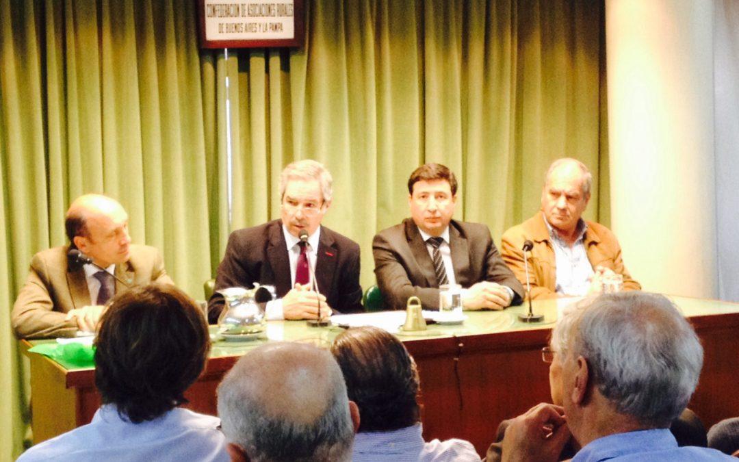 Solá, Vidal y Linares presentaron sus propuestas en CARBAP y Aníbal brilló por su ausencia
