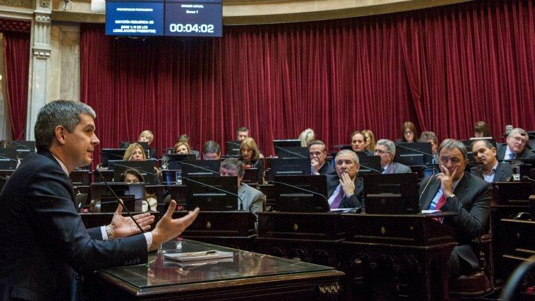 Marcos Peña brindó su informe de gestión en Senado