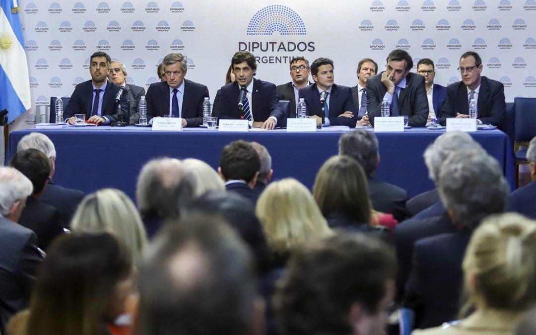 Lacunza presentó el Presupuesto 2020 en Diputados
